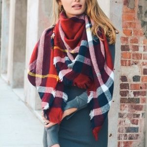 **8/22** RED | Over-sized Plaid Blanket Scarf